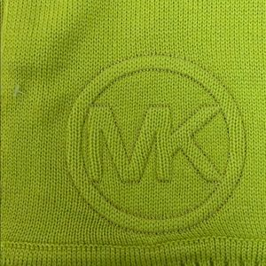 Michael Kors Accessories - Knit scarf
